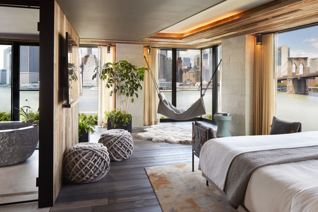 1-Hotel-Brooklyn-Bridge-1BB-Riverhouse-Master-Bedroom-1024x683